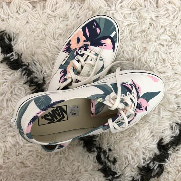 02ea26e7f0 Vans Unisex Authentic Vintage Floral Skate Shoes. M 5c27e41045c8b3043efd109b